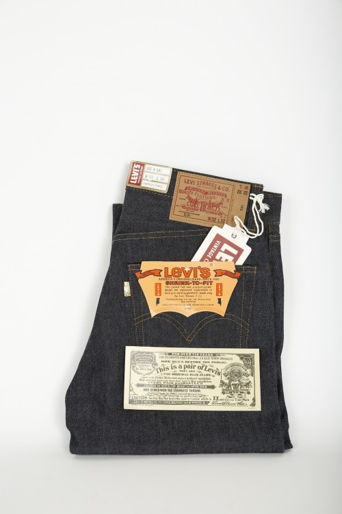 LEVI'S VINTAGE 1971 GOLDEN TICKET 501 JEANS